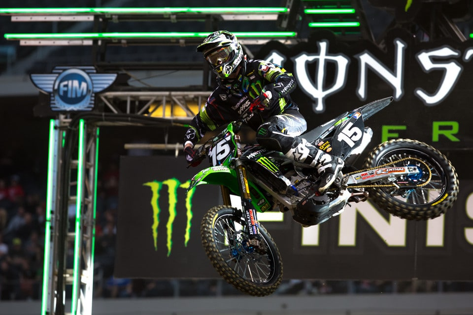 Dean Wilson hadn't raced for over ten months. It sure didn't look like it as he took the opening East round of the Lites class with superior ease. The rest of the pack better find about 2 seconds a lap if they want to compete with this kid.